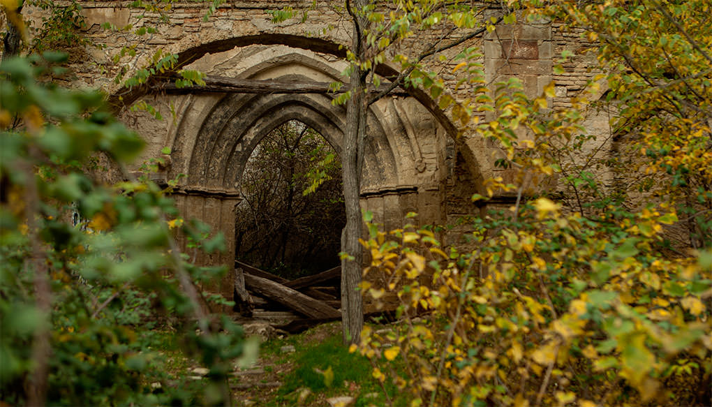 Photo of ruins found during urban exploration
