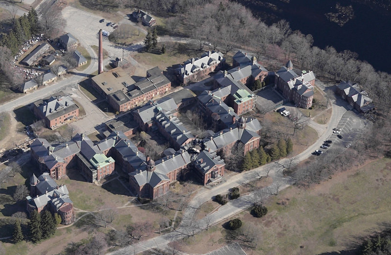 Taunton State Hospital An Abandoned Kirkbride Building In