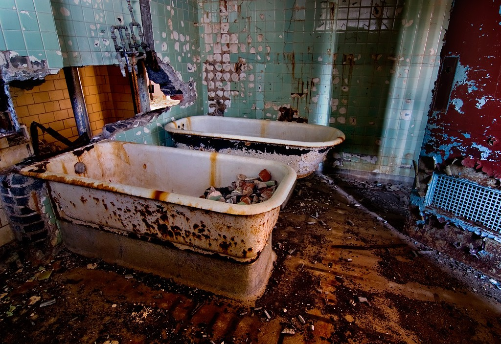Rusting Tubs Photo Of The Abandoned Ypsilanti State Hospital