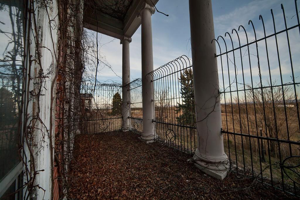 Confined Photo Of The Abandoned Dejarnette Sanitarium
