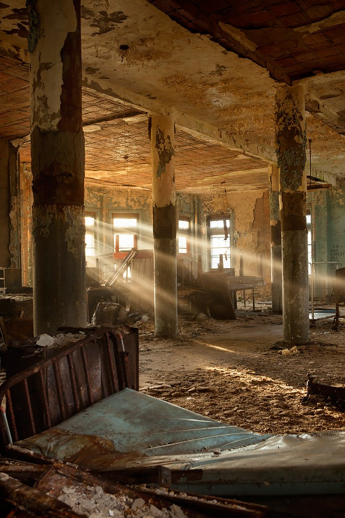 Penn State Location >> Crumpled - Photo of the Abandoned Pennhurst State School