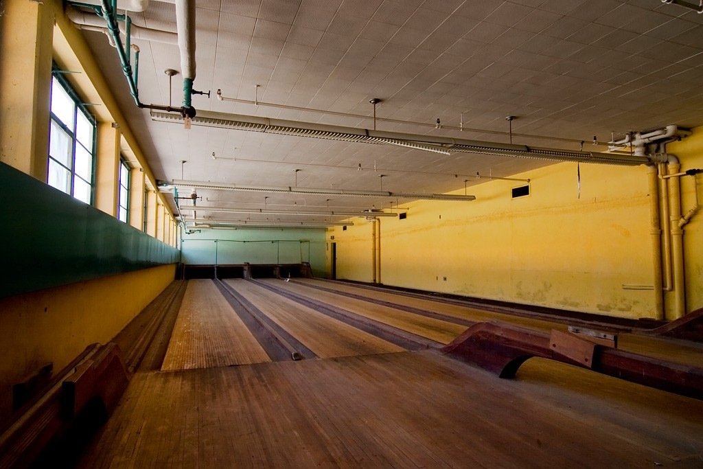 The bowling alley is an awesome place to fuck ilse - 2 8